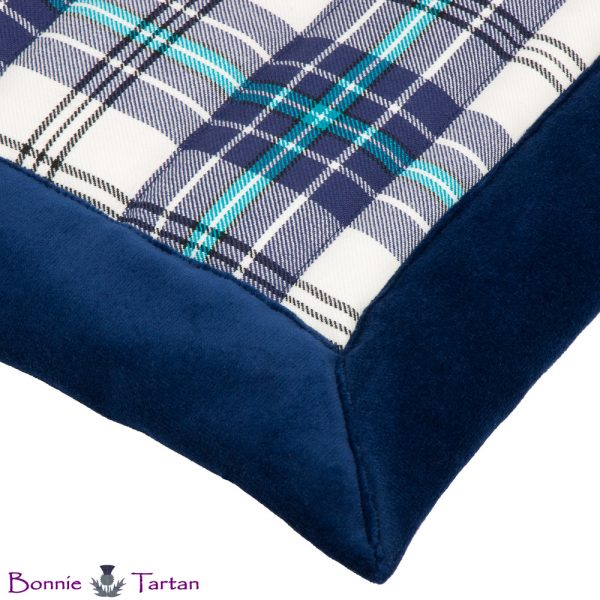 Thistle Marine Tartan Throw Border Detail