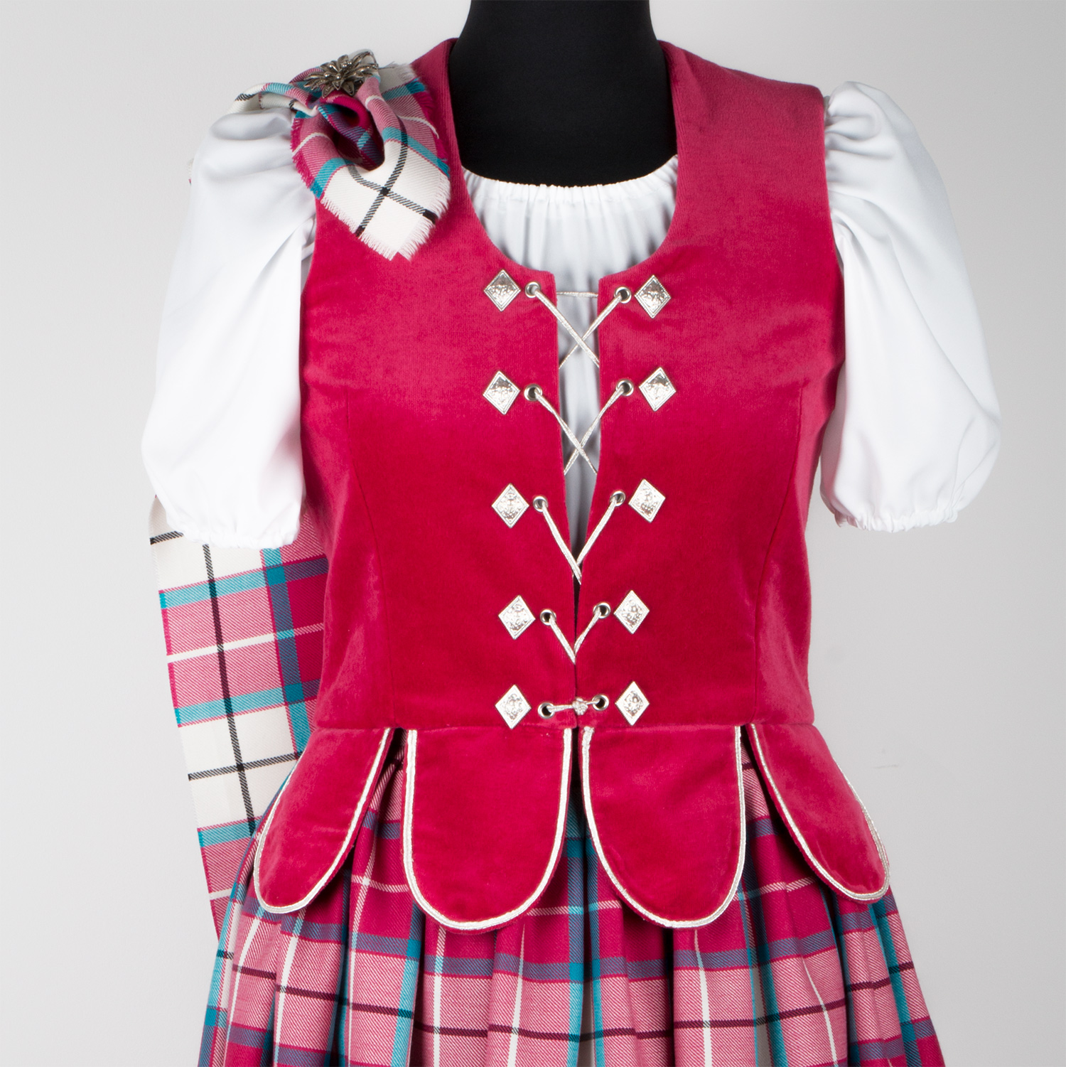 National Aboyne Vest shown in Rose with petals